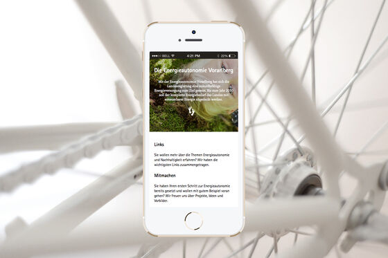 MASSIVE-ART-Energieautonomie-Smartphone